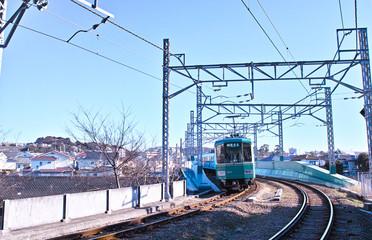 鉄橋を走る江ノ電