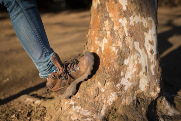 茶色い革のブーツ
