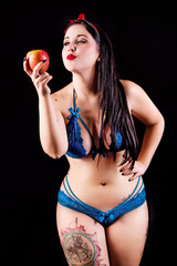 Biancaneve in lingerie azzurra