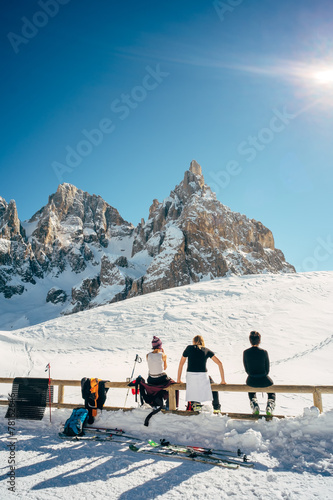 Leinwandbild Motiv Hikers in relaxing - Dolomiti Pale di San Martino
