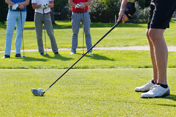Golf, on tee