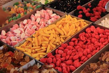 dolciumi caramelle al mercato