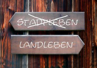 Strassenschild 28 - Landleben