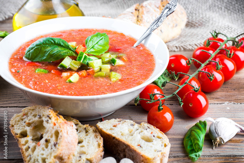 Poster Groenten Tomato gazpacho soup with pepper and garlic, Spanish cuisine