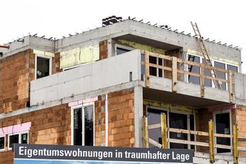 Baustelle Schild, Eigentumswohnungen