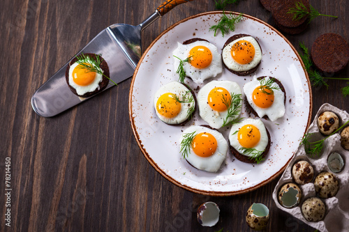 quail egg canapes - 78214450