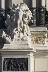 escultura en el parque Retiro