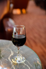 ワイン ラウンジ