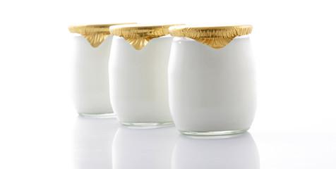 3 yaourts