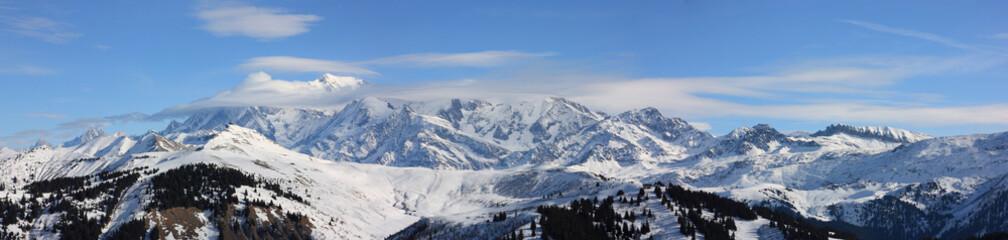 panoramique sur le mont-blanc