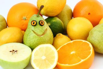lustige Birne + Früchte / Obst
