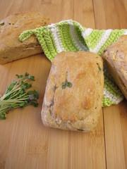 Mini-Brote mit Radieschen-Sprossen