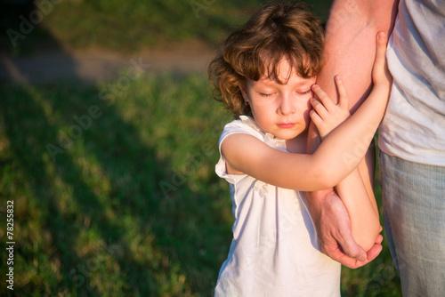 Leinwanddruck Bild Father with little daughter