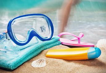 mask and snorkel to swim