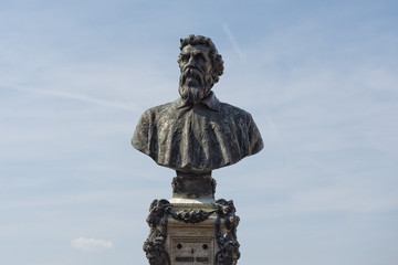benvenuto cellini statue