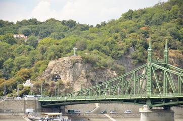 Monte gellert e ponte della Libertà, Budapest.