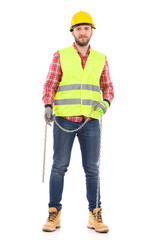 Manual worker with a chain
