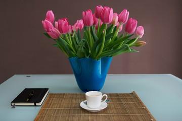 Colazione con i tulipani