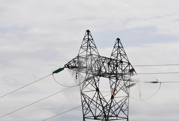 Electrical Pylon Cleaning by Two Guys