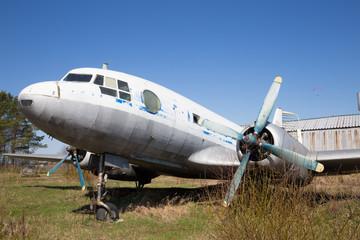 old white plane