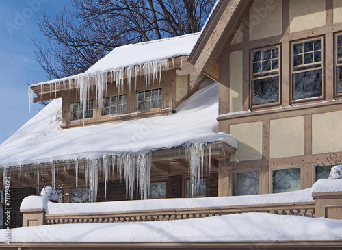 House with icicles - 78294619