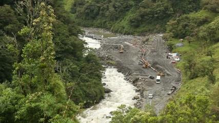 Repairing an oil pipeline in the Ecuadorian Amazon