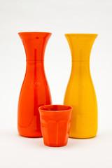 bicchiere e caraffe di porcellana