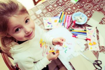 Giocare con la carta e i colori