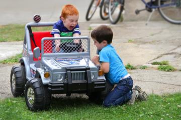 Spielen im Hof