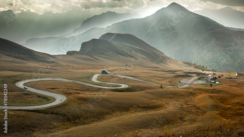 Canvas Alpen Serpentine road at Passo Giau, Dolomites, Italy