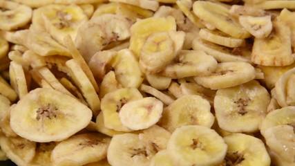 Dried organic banana slices