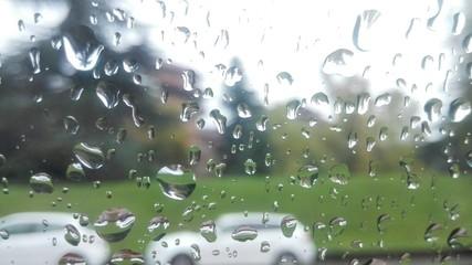 Pioggia su un vetro