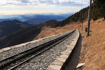 linea ferroviaria verso il monte Generoso
