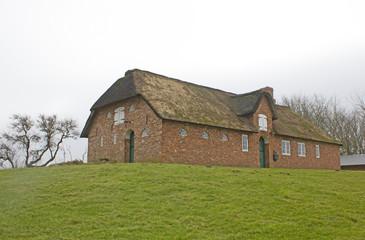 Typisches Friesenhaus in Schleswig-Holstein