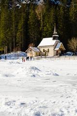 Chiesa sul lago di Braies