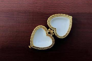 open jewelry box shape heart