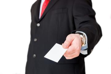 Geschäftsmann überreicht Visitenkarte