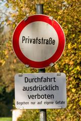 Schild Privatstraße Verbot