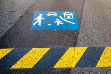 Asphalt Markierung Spielstraße