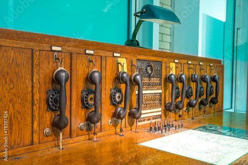 Leinwanddruck Bild Historische Telekommunikationsanlage
