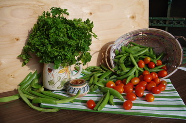 beans , parsley and tomatoes