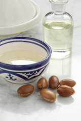 Cup with argan oil