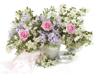 Greeting card with pink roses and lilac