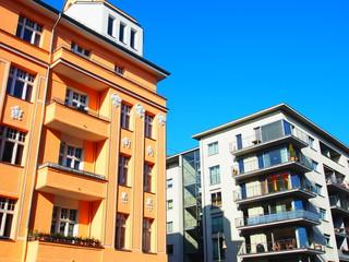 Berlin: Altbau/Neubau