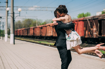 couple in love, railway station