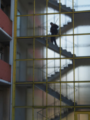 Reinigungskraft Treppenhaus Hochhaus