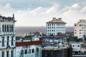 Havana and the sea