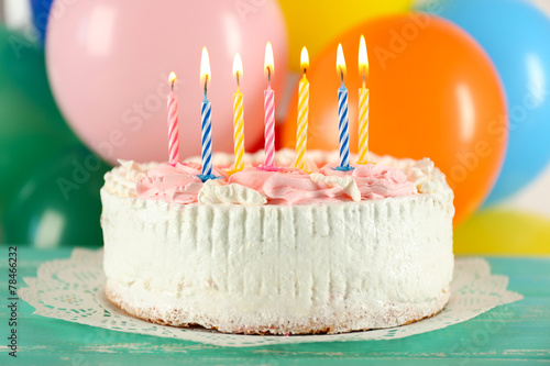 canvas print picture Delicious birthday cake on table on bright background
