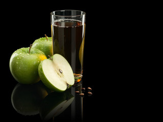 Two green apples and juice
