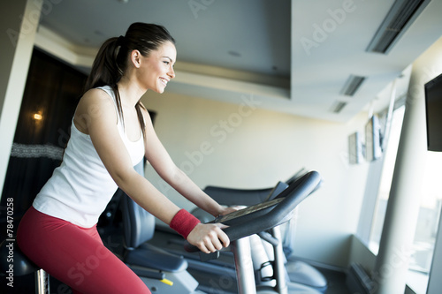 canvas print picture Young woman in the gym